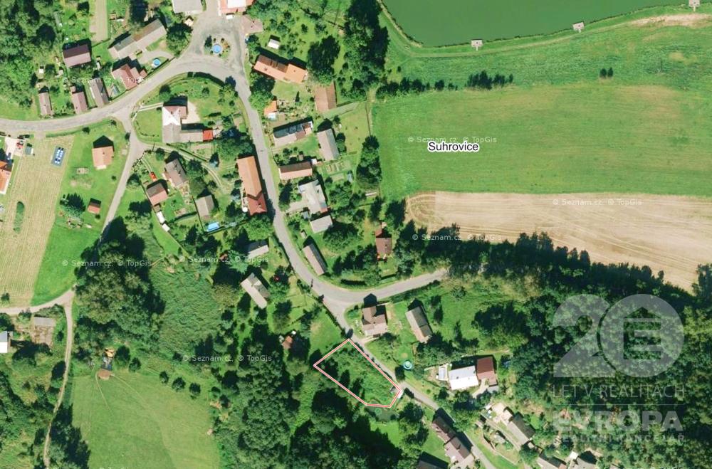 Stavební pozemek 1032 m2 v obci Kněžmost - Suhrovice (okr. Mladá Boleslav)