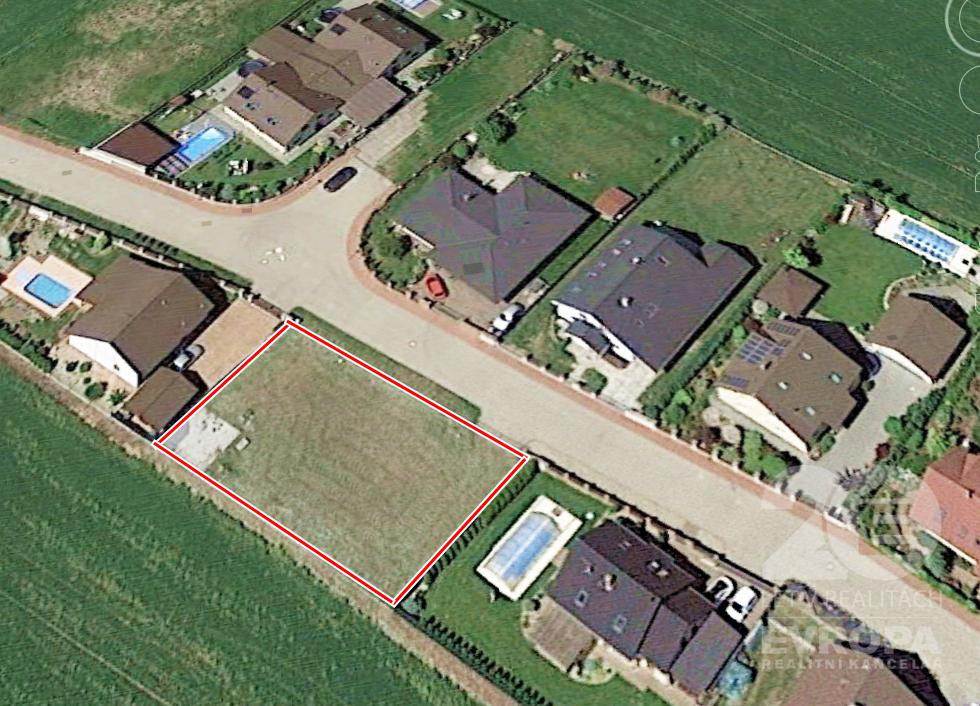 Prodej hezkého, rovinatého pozemku 658 m2, Brandýs nad Labem