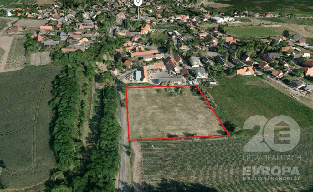 Prodej stavebního pozemku 8453m2