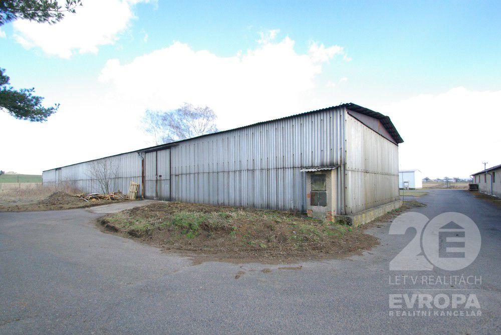 Prodej skladového prostoru 500m2 s pozemkem 1667m2