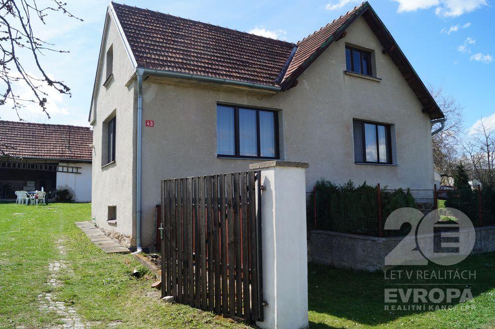 Prodej, rodinný dům165 m2, pozemek 1833 m2, Zadní Střítež