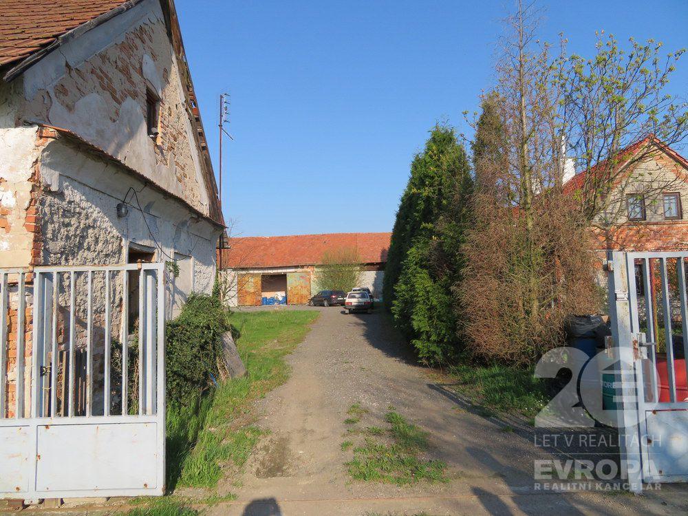 Rokytno, Bohumileč, rodinný dům, pozemky, 1701 m2, prodej