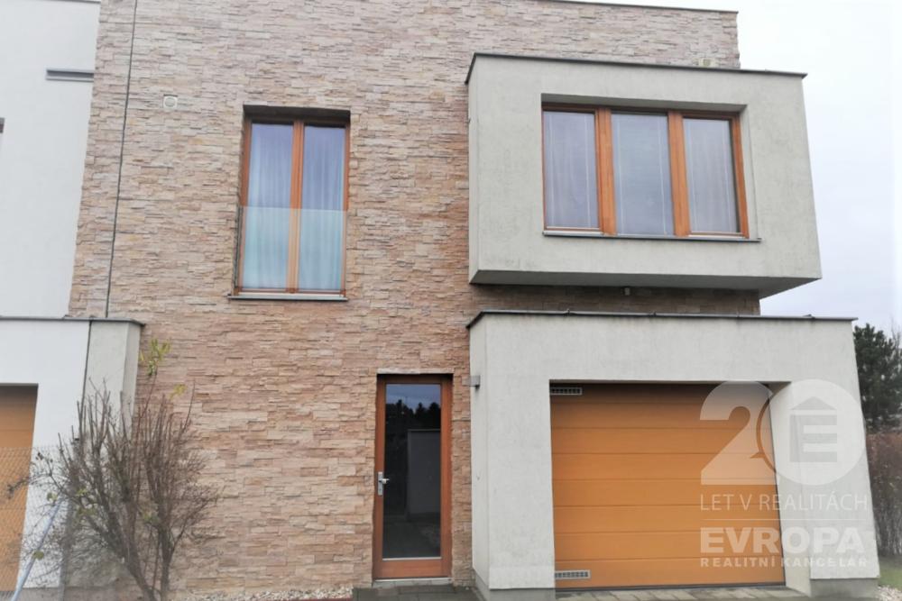 Pronájem rodinného domu 160 m², pozemek 512 m²
