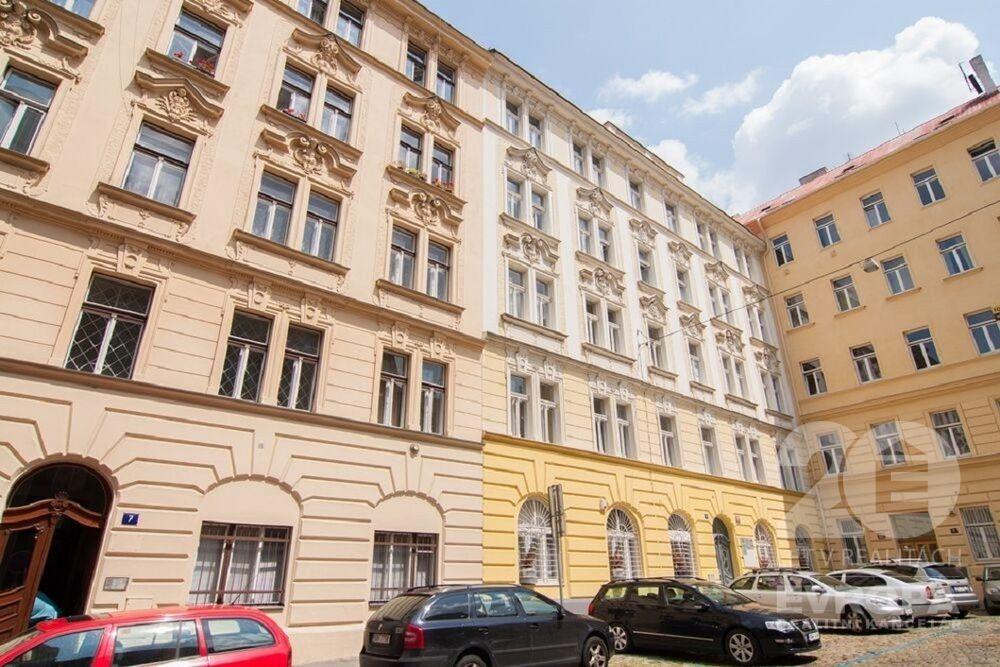 Pronájem kancelářských prosto 73 m2, Praha 2,