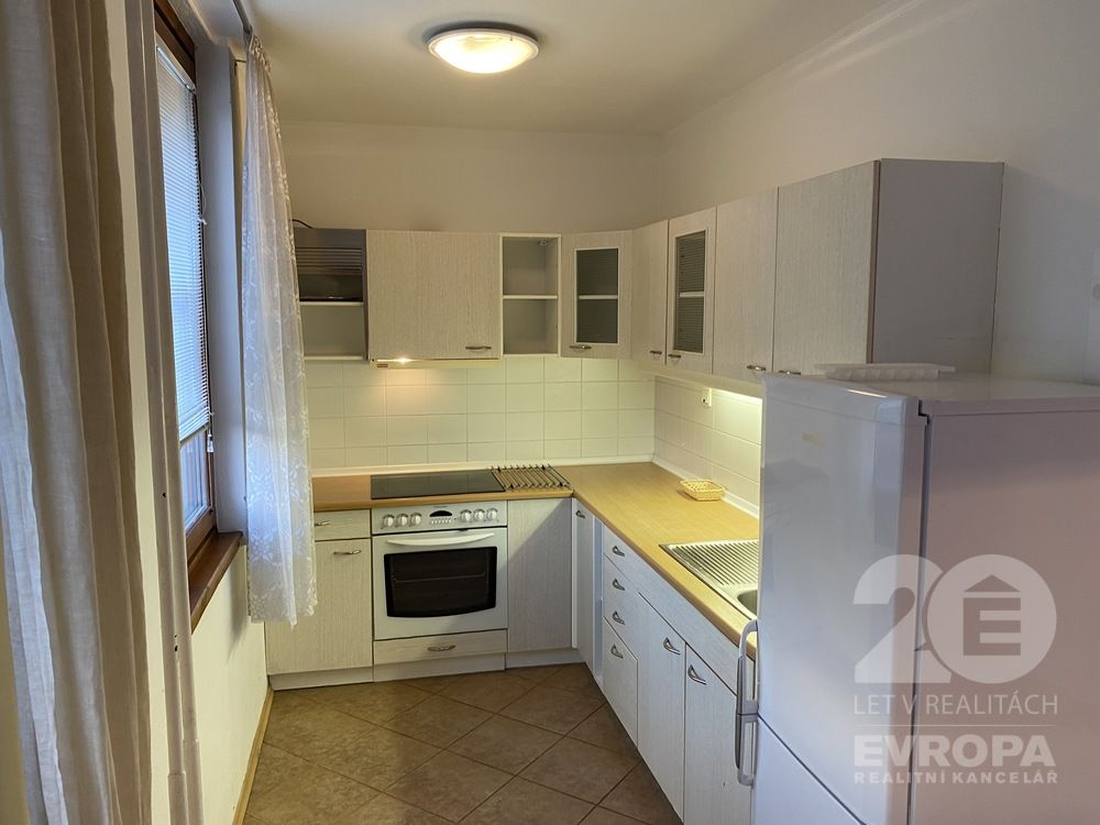 Pronájem bytu 85 m2, 3+1, Praha 9