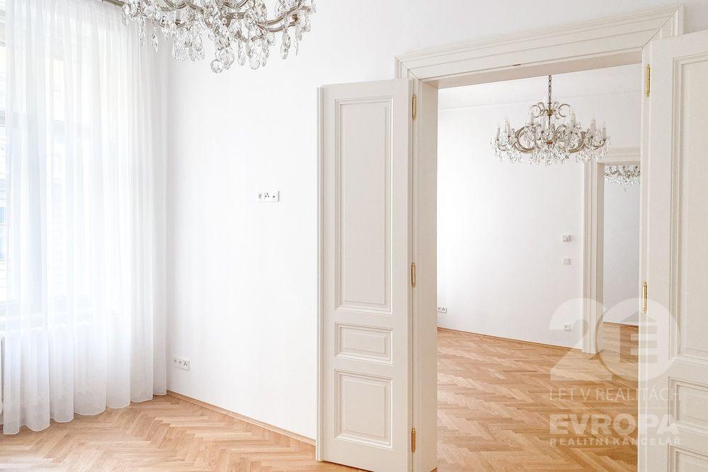 Prodej bytu 3+1, 100 m2, ul. Janáčkovo nábřeží,